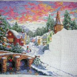 Стройка рождественской деревни продолжается