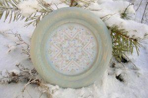 Вышивка крестом и бисером Jeweled Snowflake, дизайн The Rocking Horse