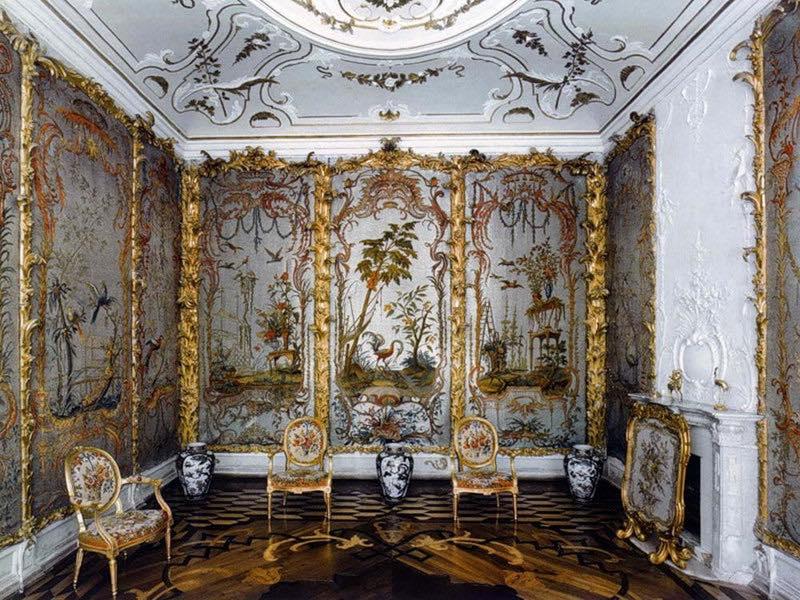 Стеклярусный кабинет