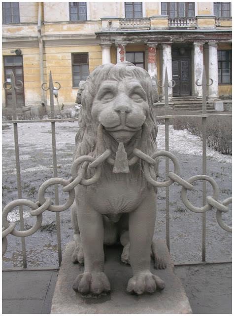 В этом городе львов больше, чем жителей! ©