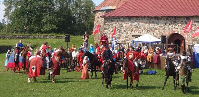 Приозерск, крепость Корела, фестиваль Русская крепость, рыцарский турнир