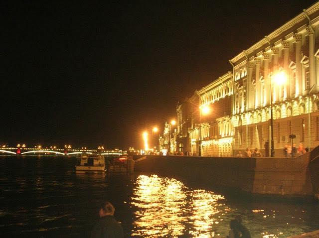Дворцовая набережная, Нева, Троицкий мост, Санкт-Петербург