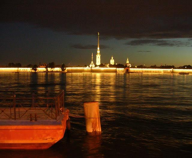 Петропавловская крепость, Нева, Санкт-Петербург, Дворцовая набережная