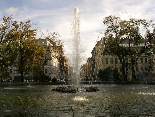Фонтан у Адмиралтейства, Александровский сад, Санкт-Петербург