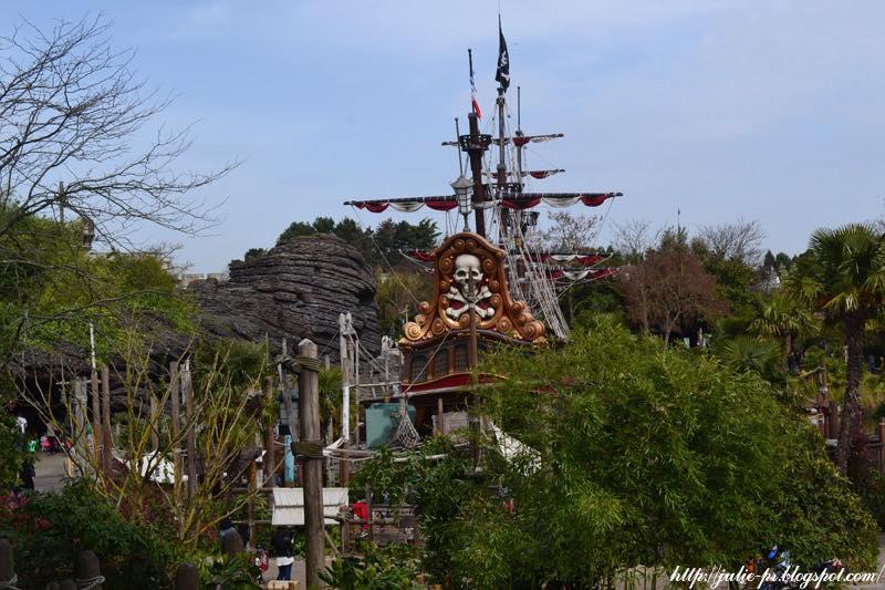 Диснейленд, Париж, Робинзон Крузо, корабль пиратов