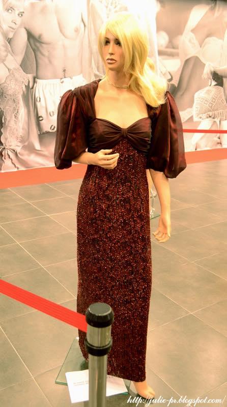выставка, Александр Васильев, гламур 80-х, платье