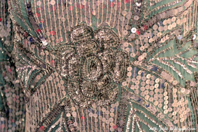выставка, Александр Васильев, гламур 80-х, вышивка пайетками, haute couture, Коктейльное платье Le mieux