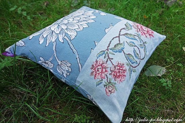 Les Brodeuses Parisiennes, Парижские вышивальщицы, подушка с вышивкой, подушка георгины, le coussin bleu Aux Dahlias, вышивка крестом, французская вышивка