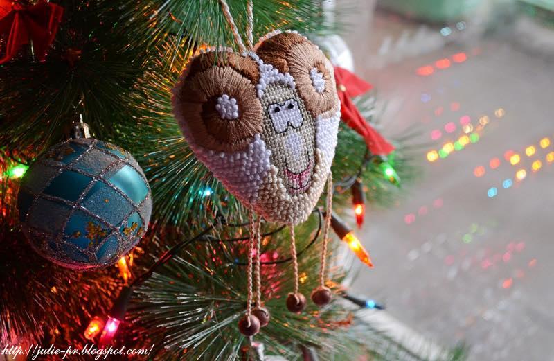 символ 2015 года, барашек, вышивка крестом, брат баран Боря Ирина Наниашвили, новогодняя вышивка, елочная игрушка символ года, елочная игрушка барашек