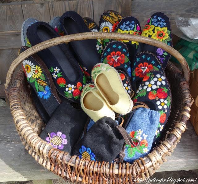 мухуская вышивка, Эстония, Таллин, Музей деревянного зодчества в Рокка аль Маре