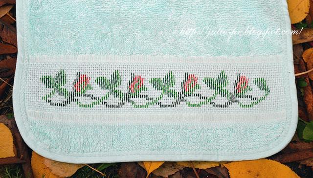 I motivi piu belli a punto croce 23. Speciale bordure, вышивка крестом, слюнявчик с вышивкой, идеальная изнанка, вышивка с идеальной изнанкой