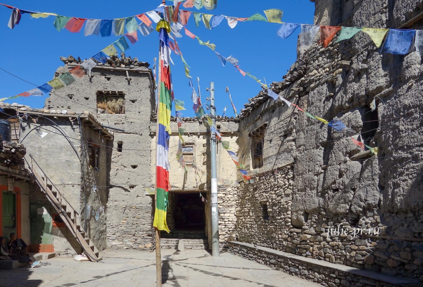 Непал, Трек вокруг Аннапурны, Кагбени, форт