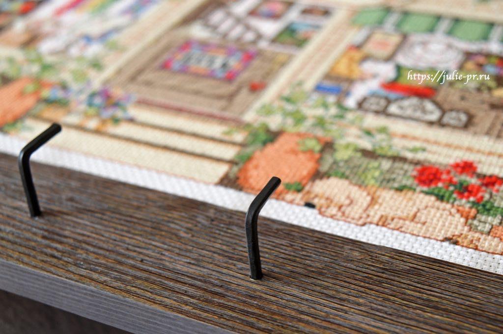 Вышивала работу по схеме из журнала Cross stitch gold N10, также можно изредка встретить набор Janlynn 023-0590 Needlework Shoppe