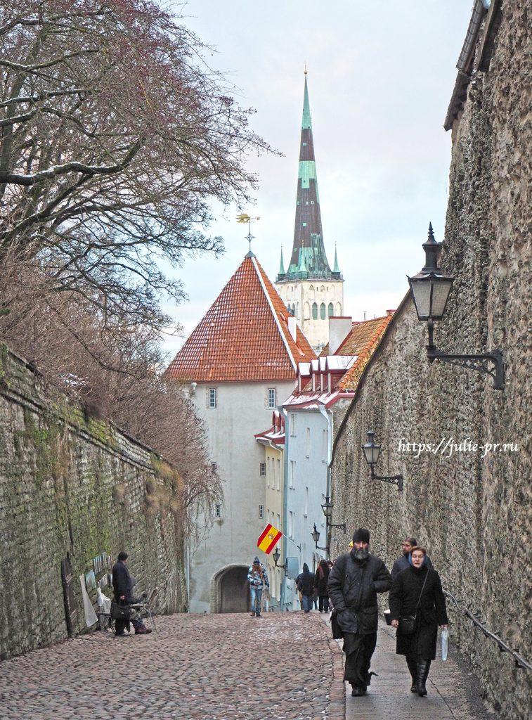 Таллин, Улица Pikk Jalg - Длинная нога
