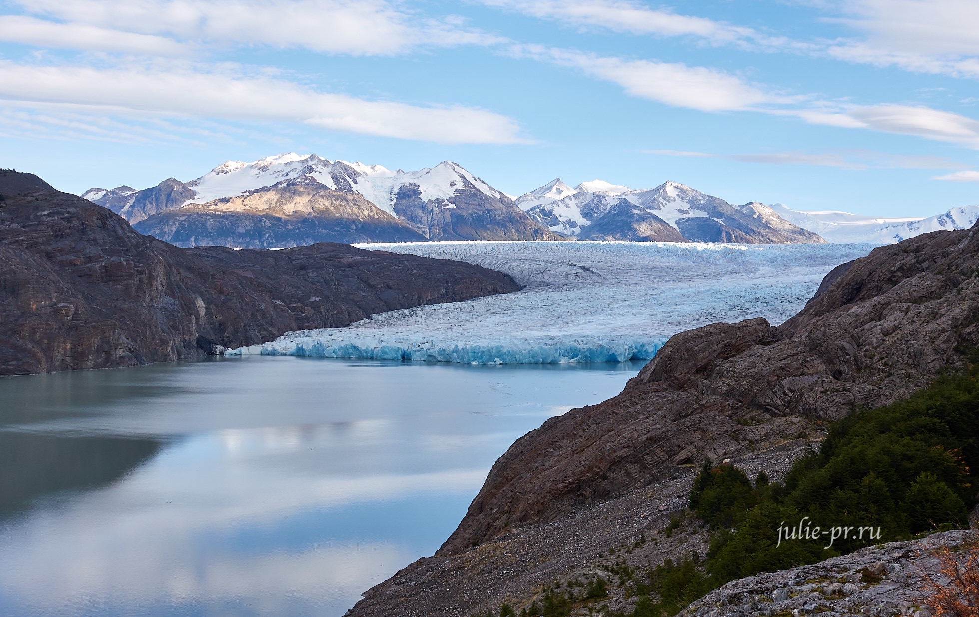 Чили, Патагония, Торрес-дель-Пайне, озеро и ледник Грей