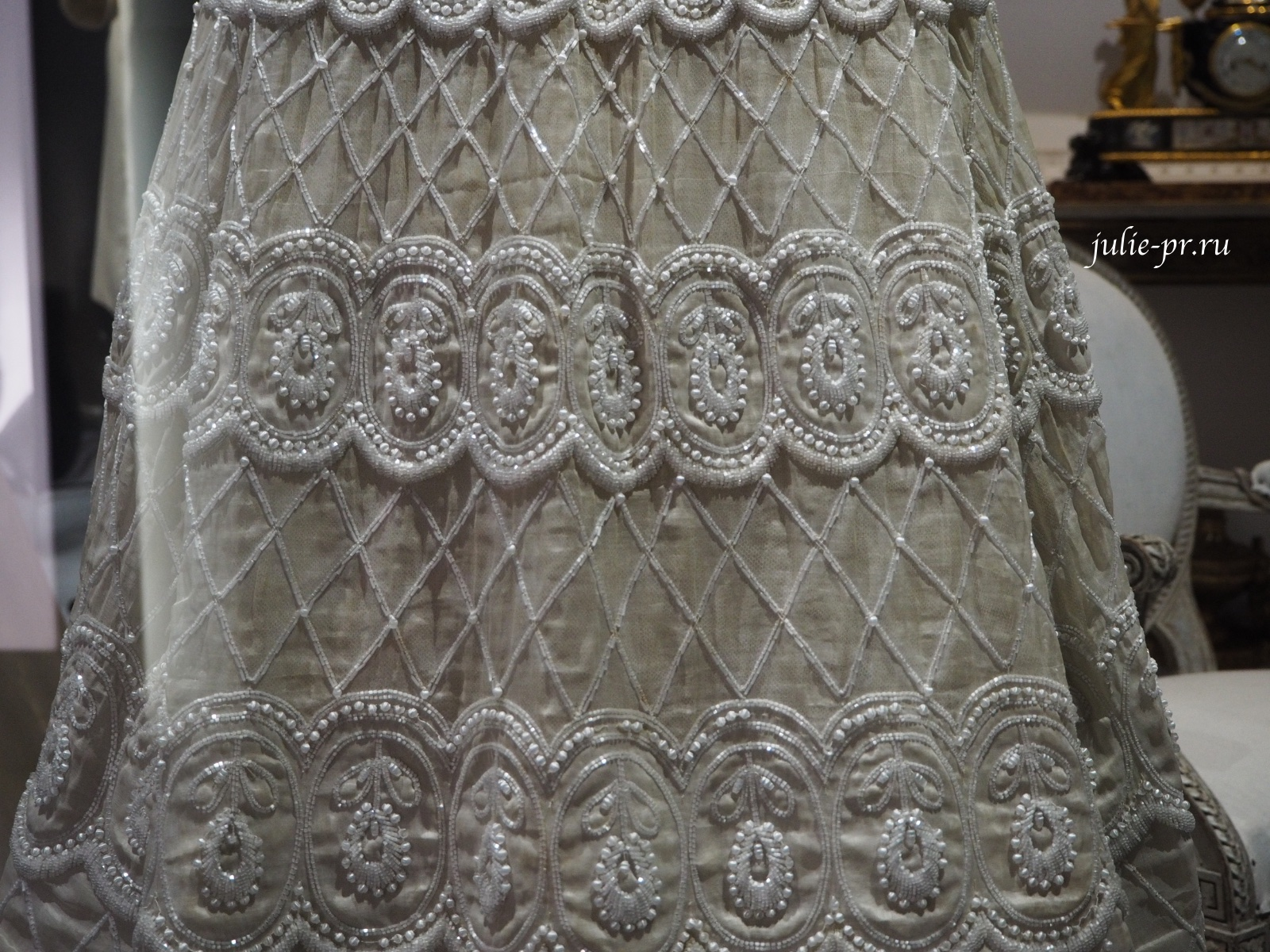 Платье Romance (Christian Dior Haute couture весна/лето 1956). Вышивка