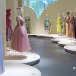 Весна и мода – выставка Александра Васильева