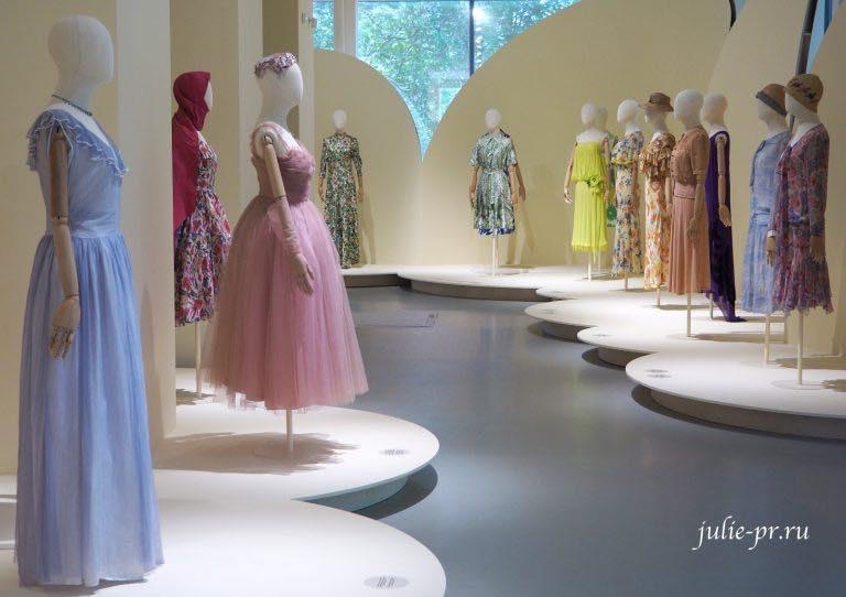 Весна и мода — выставка Александра Васильева