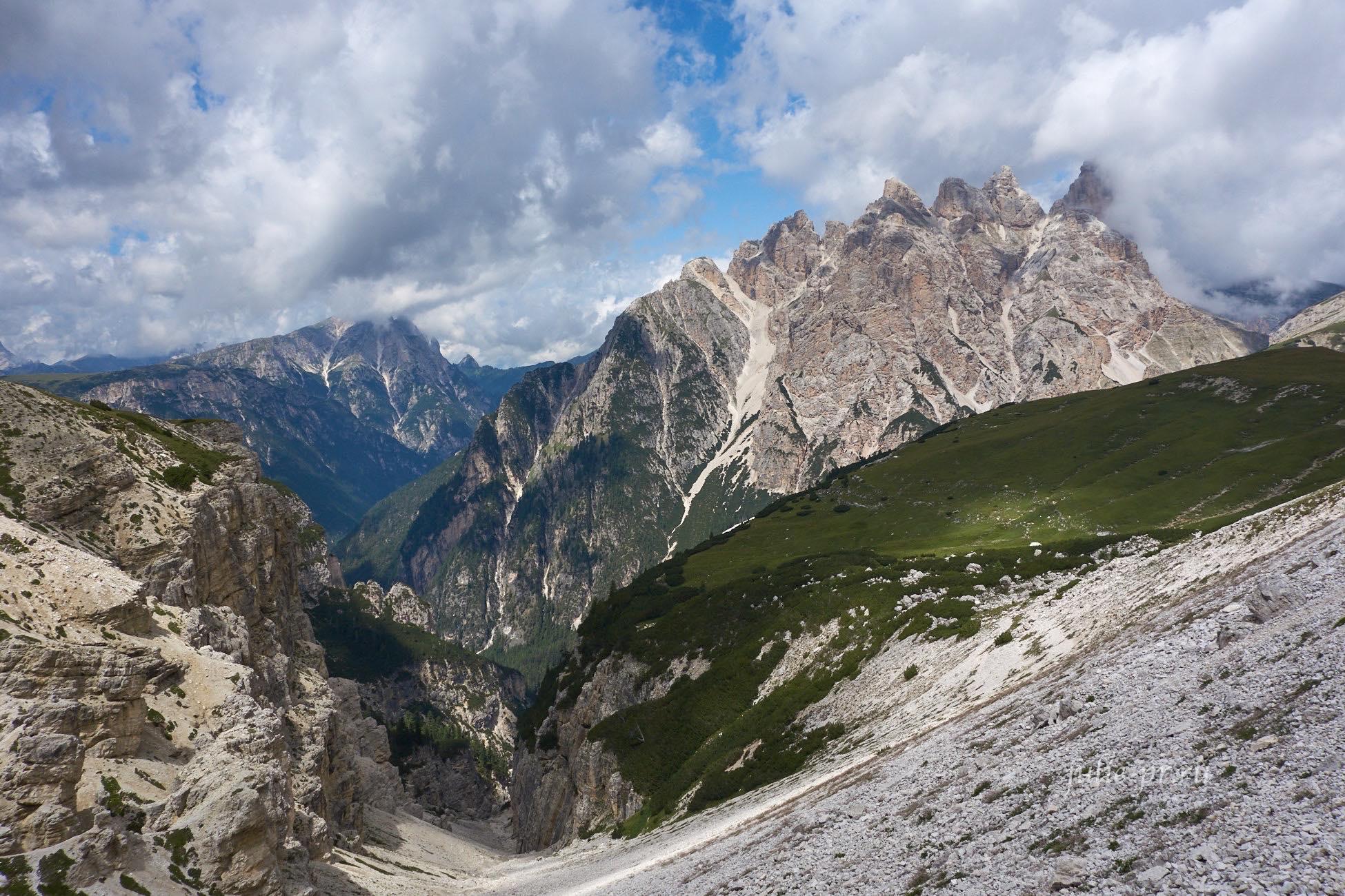 Италия, Альпы, Доломиты, вид от приюта Ауронцо