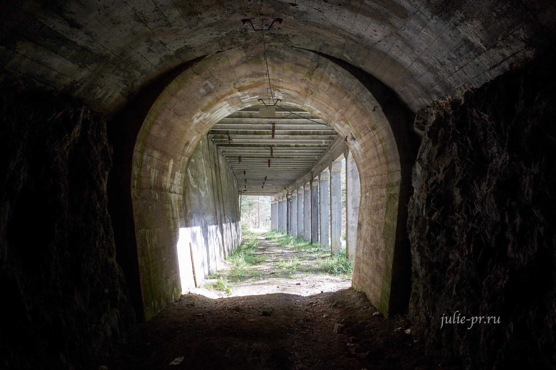 Италия, Альпы, Доломиты, Туннель