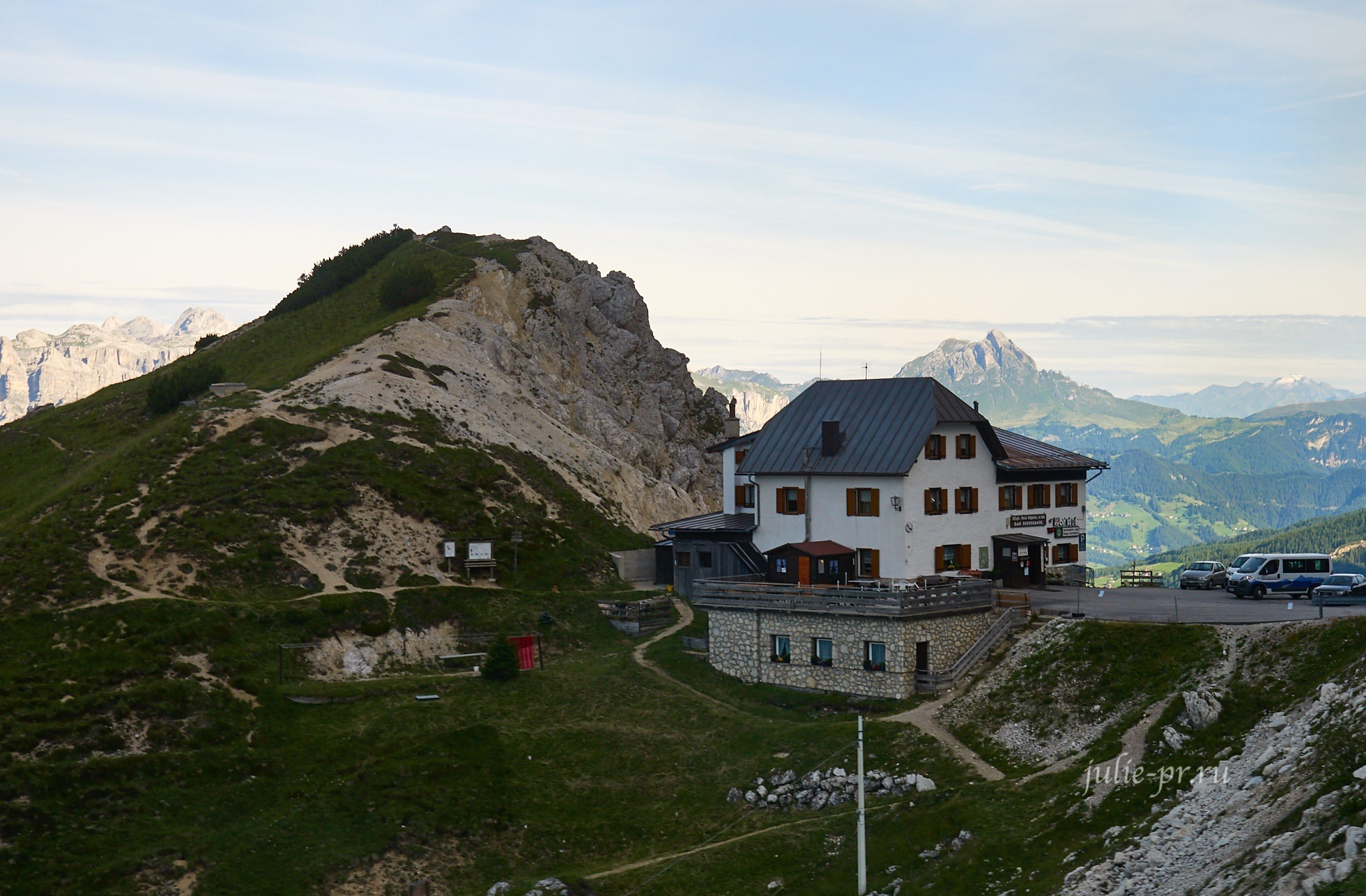 Италия, Альпы, Доломиты, приют Вальпарола