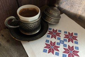 вышивка крестом, социальная акция, One Stitch For Syria, один стежок для Сирии, орнамент