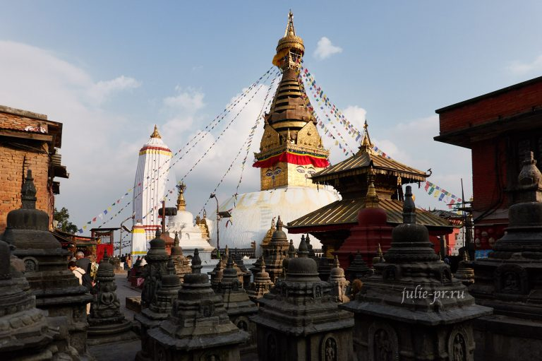 Непал. Вокруг Аннапурны: 3. Катманду (пермиты, Сваямбунатх)