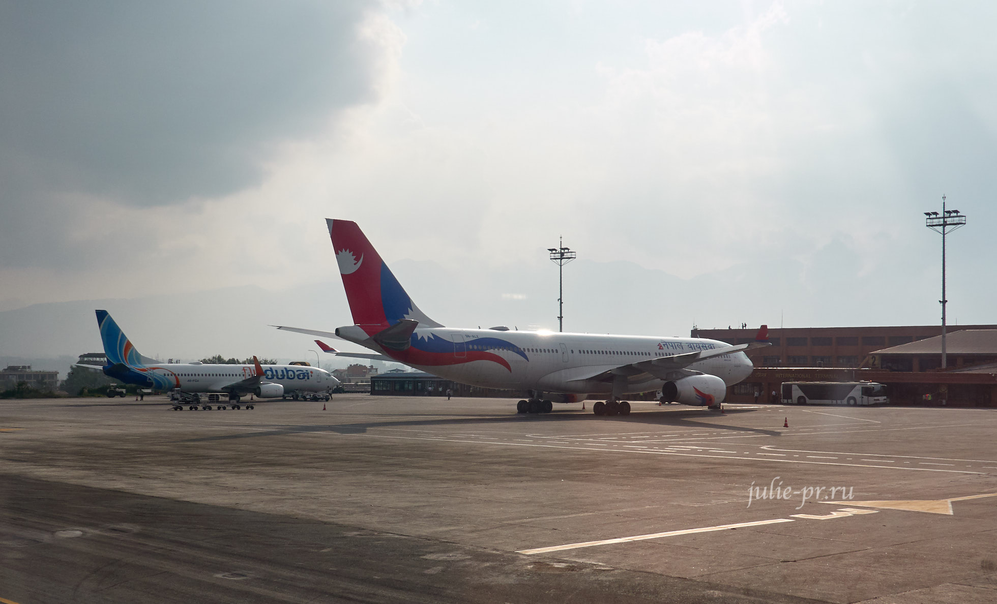 Непал, Катманду, Tribhuvan International Airport