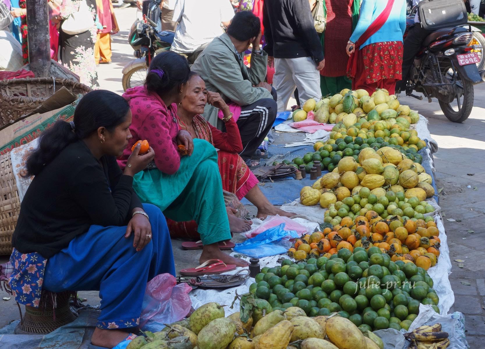 Непал, Катманду, люди, уличная торговля