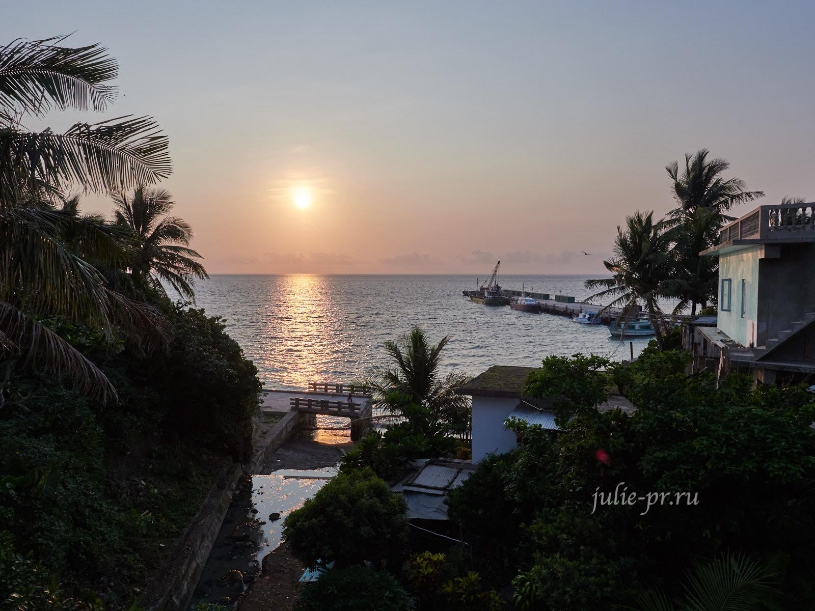 Филиппины, острова Батанес, Баско, закат