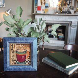 Mill Hill – Latte: вышивка на перфорированной бумаге
