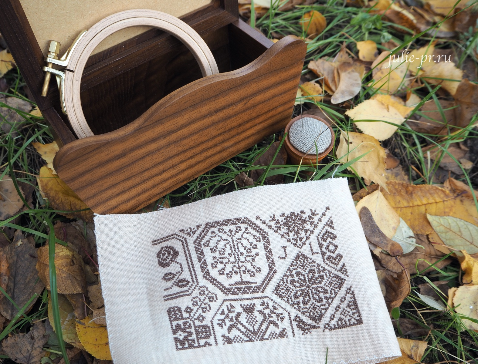 Gazette94, Quaker, вышивка крестом, примитив, квакер, бесплатная схема, Xiu Crafts, Storage holder Spring rabbit