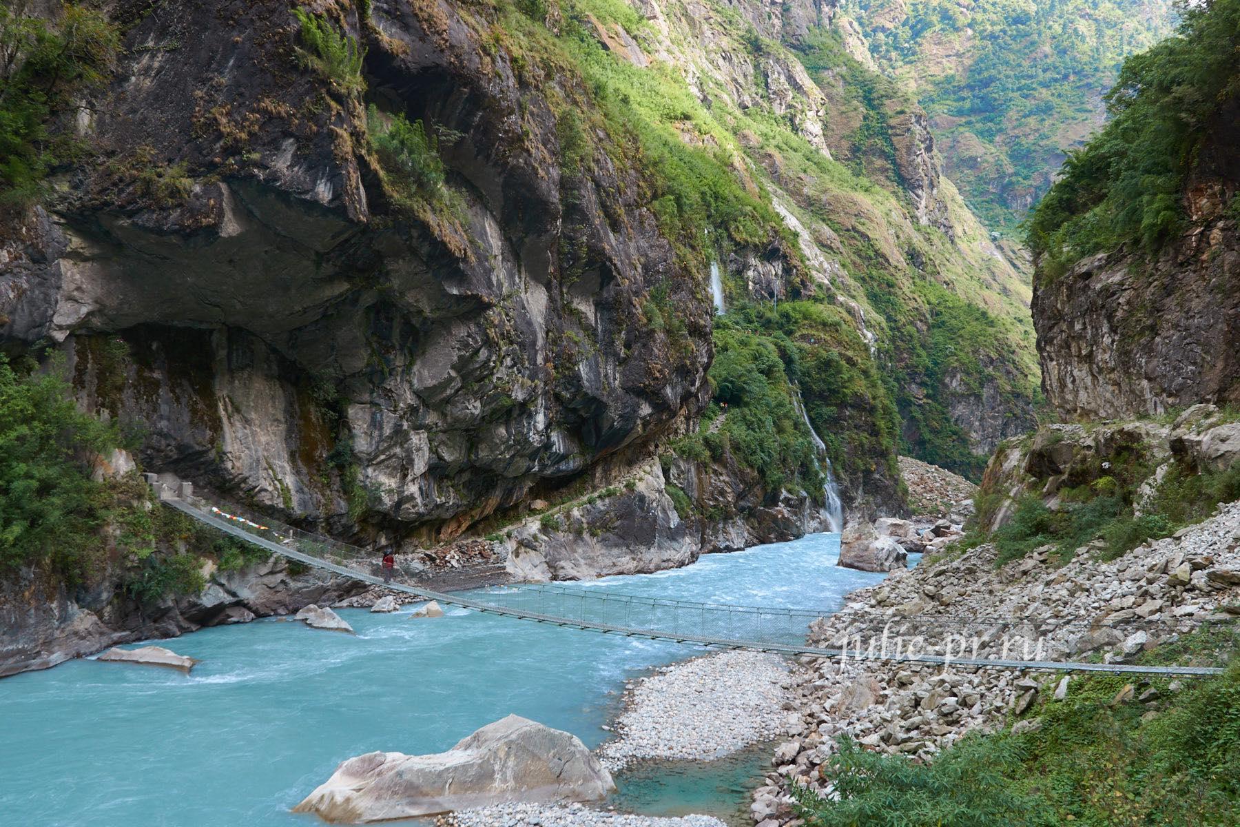 Непал, Трек вокруг Аннапурны, Висячий мост
