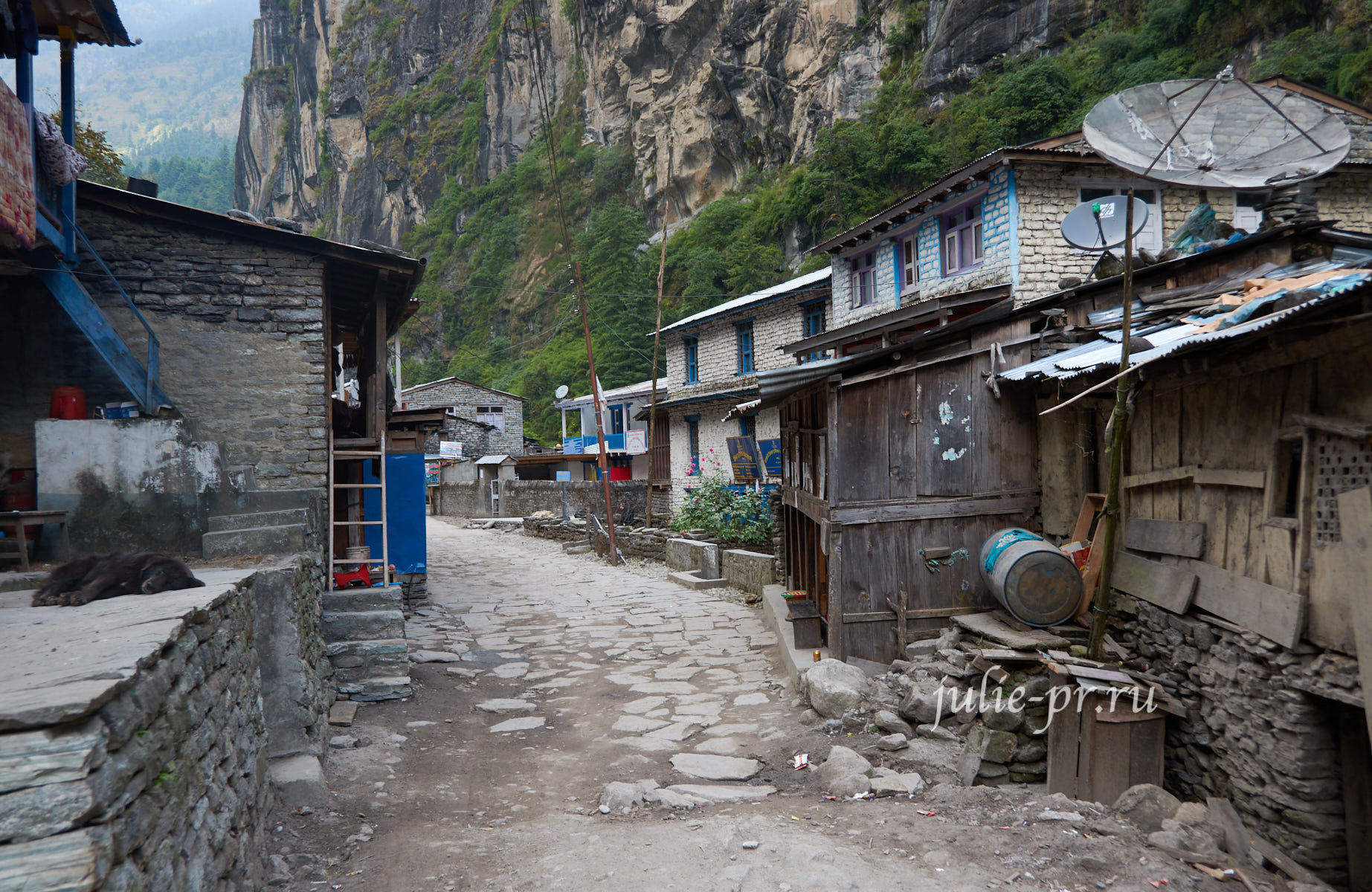 Непал, Трек вокруг Аннапурны, деревня Дхарапани
