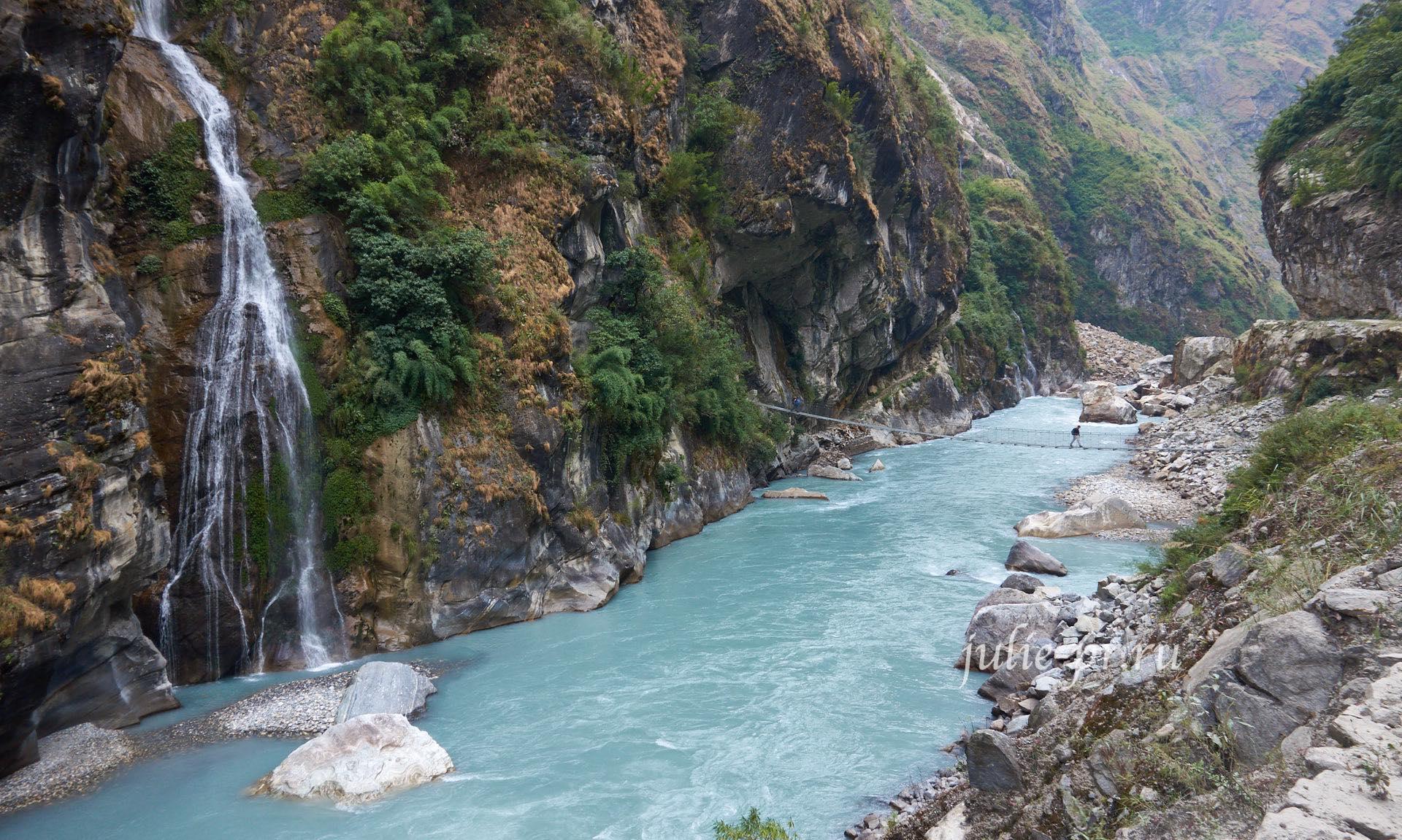 Непал, Трек вокруг Аннапурны, водопад на реке Марсъянди