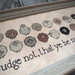 Вышивка Judge not. Выставка примитивов