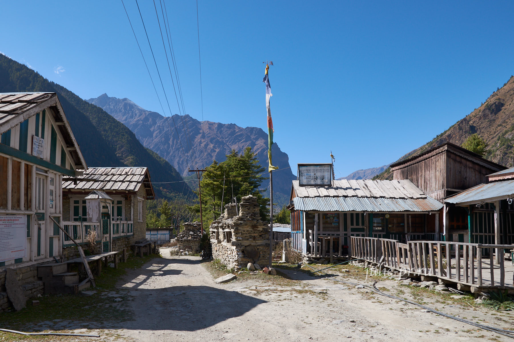 Непал, Трек вокруг Аннапурны, Dhikur Pokhari