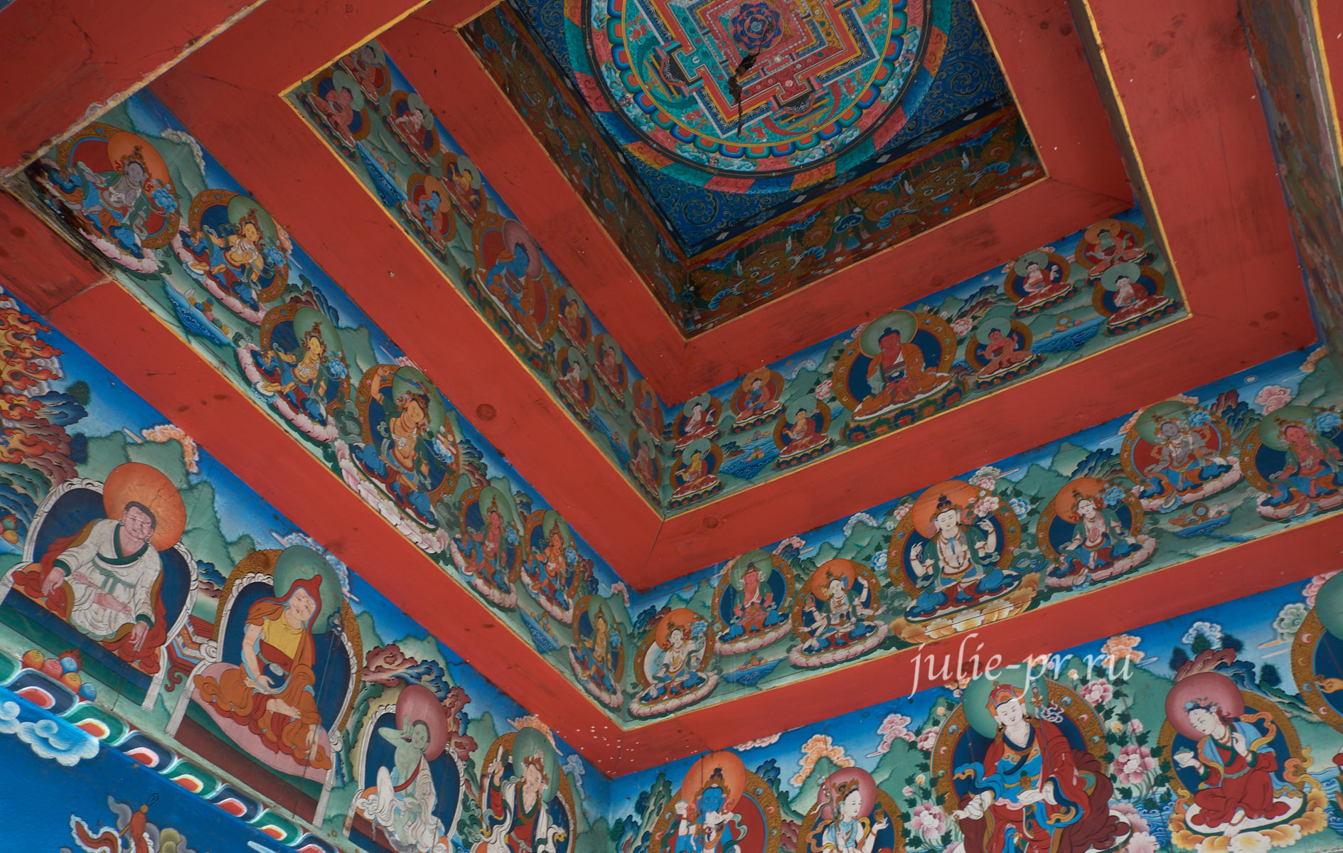 Непал, Трек вокруг Аннапурны, Ворота Чаме, Буддизм