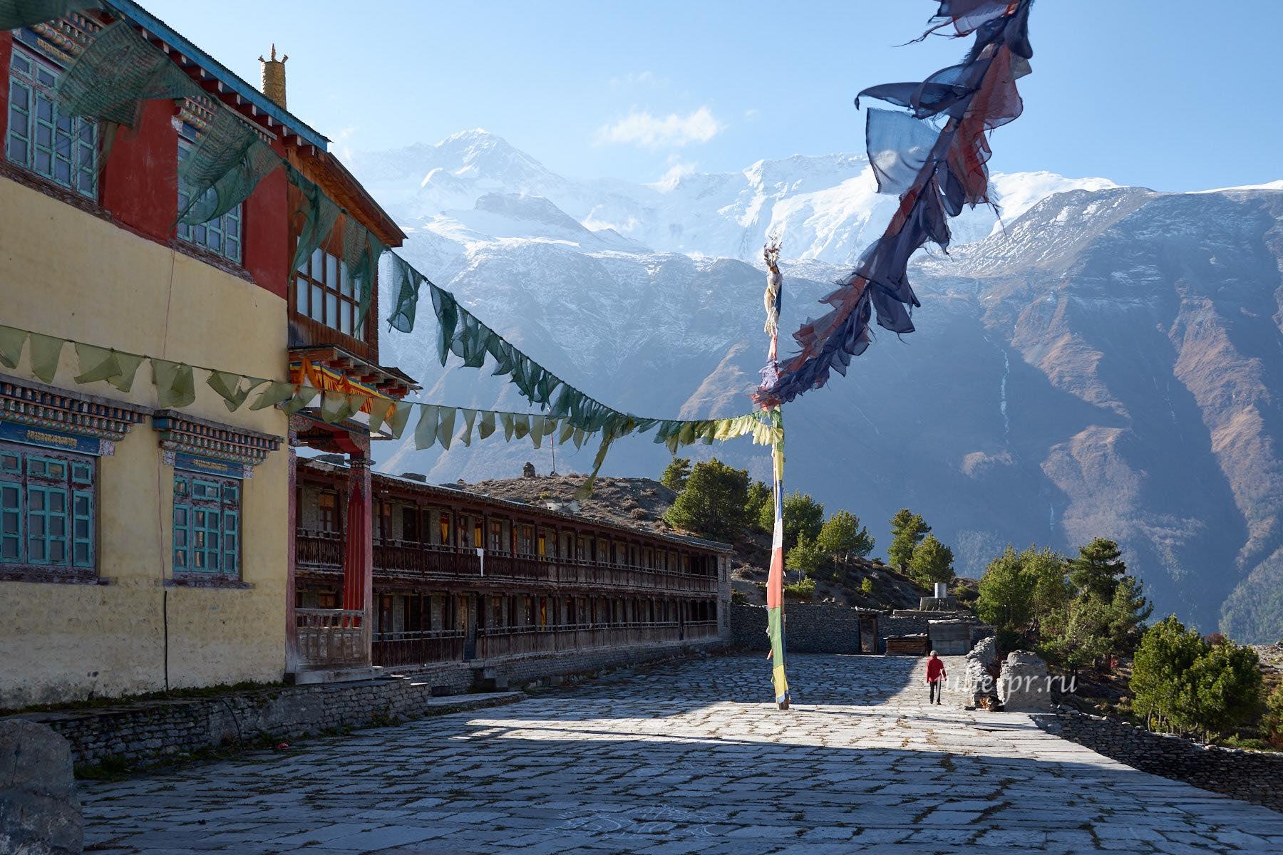 Непал, Трек вокруг Аннапурны, Монастырь Lophelling