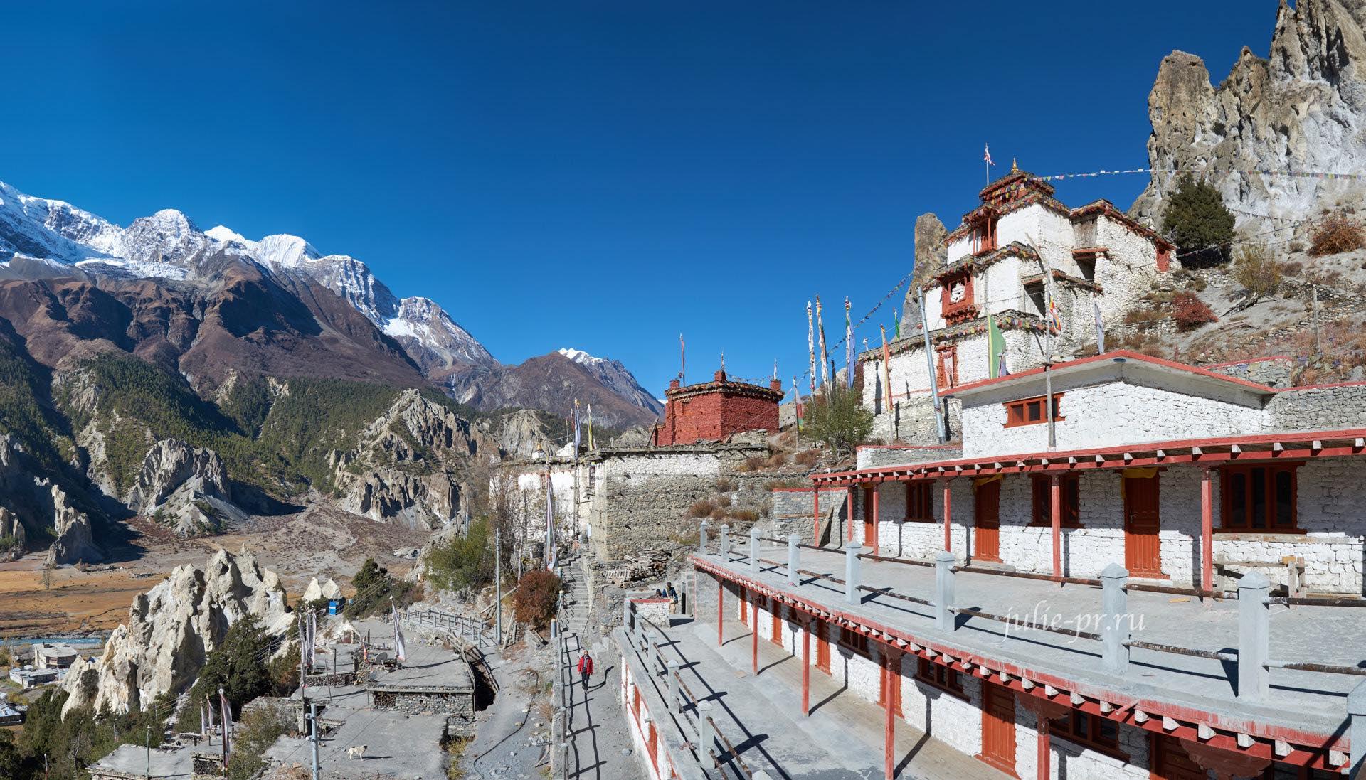 Непал, Трек вокруг Аннапурны, Braka, Монастырь