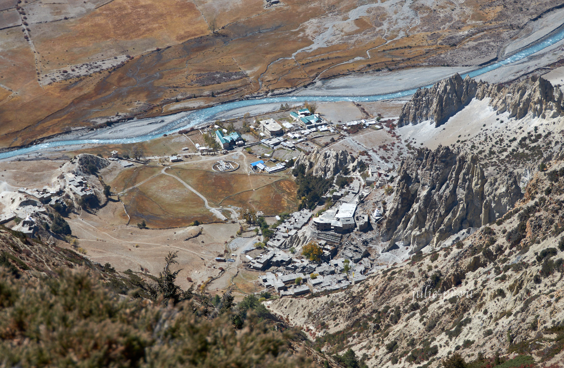 Непал, Трек вокруг Аннапурны, Braka