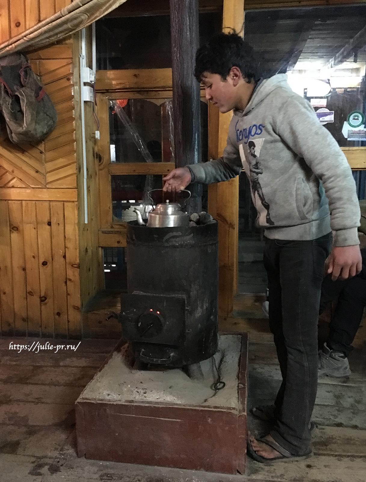 Непал, Трек вокруг Аннапурны, Печка, Гостевой дом