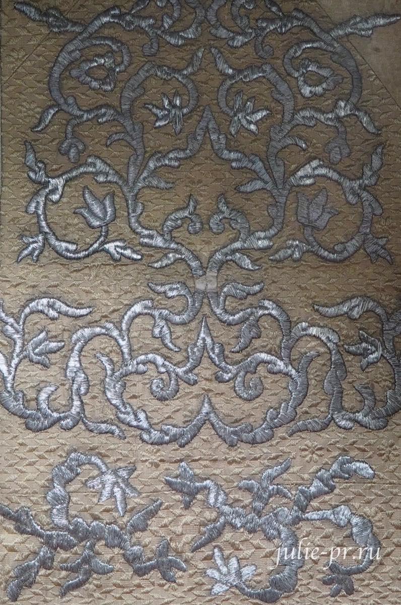 Покровец (Россия, вторая половина XVIII века): шёлк, орнаментальное шитьё
