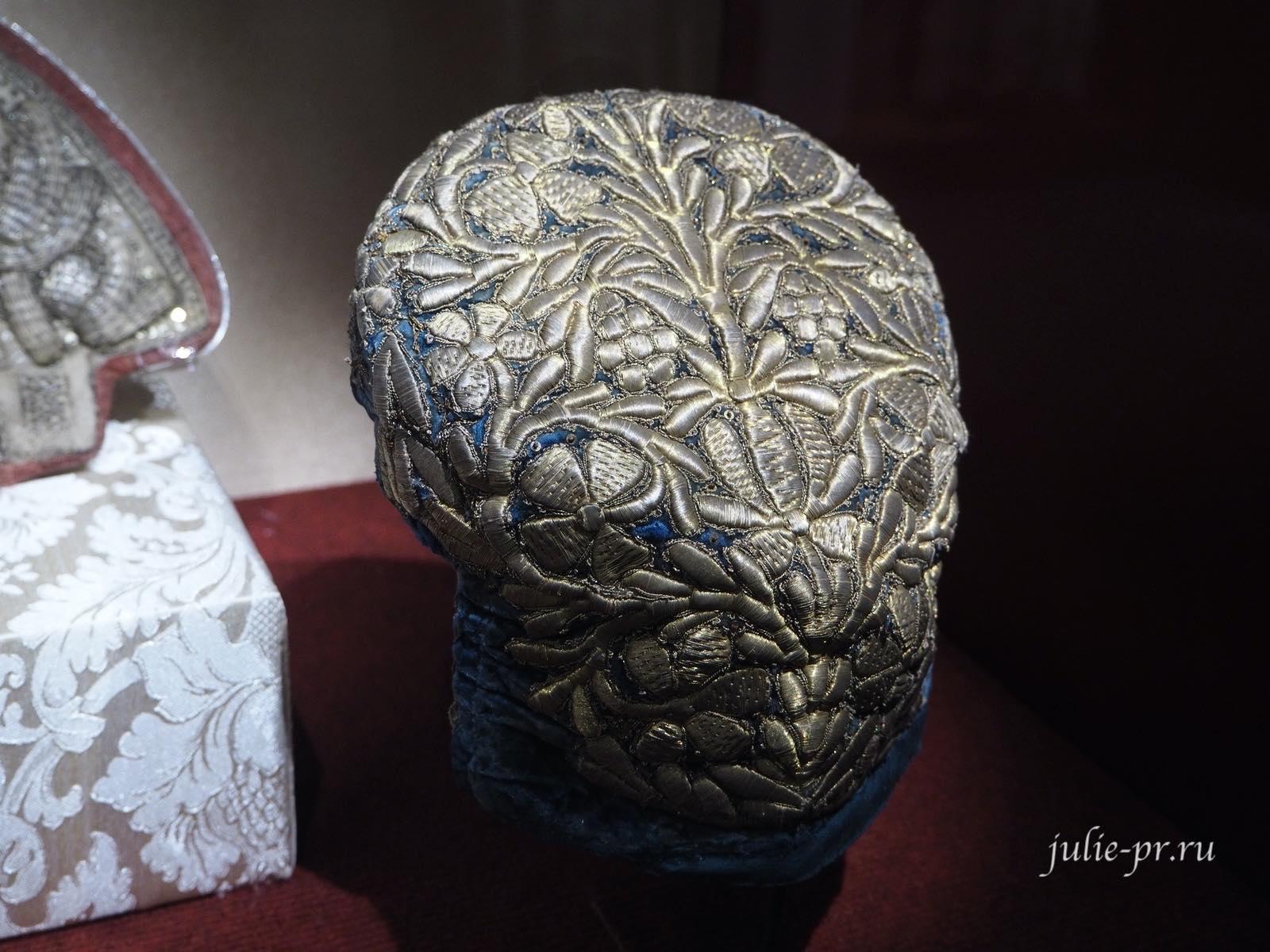 Женский головной убор (Россия, XIX век): вышивка золотом
