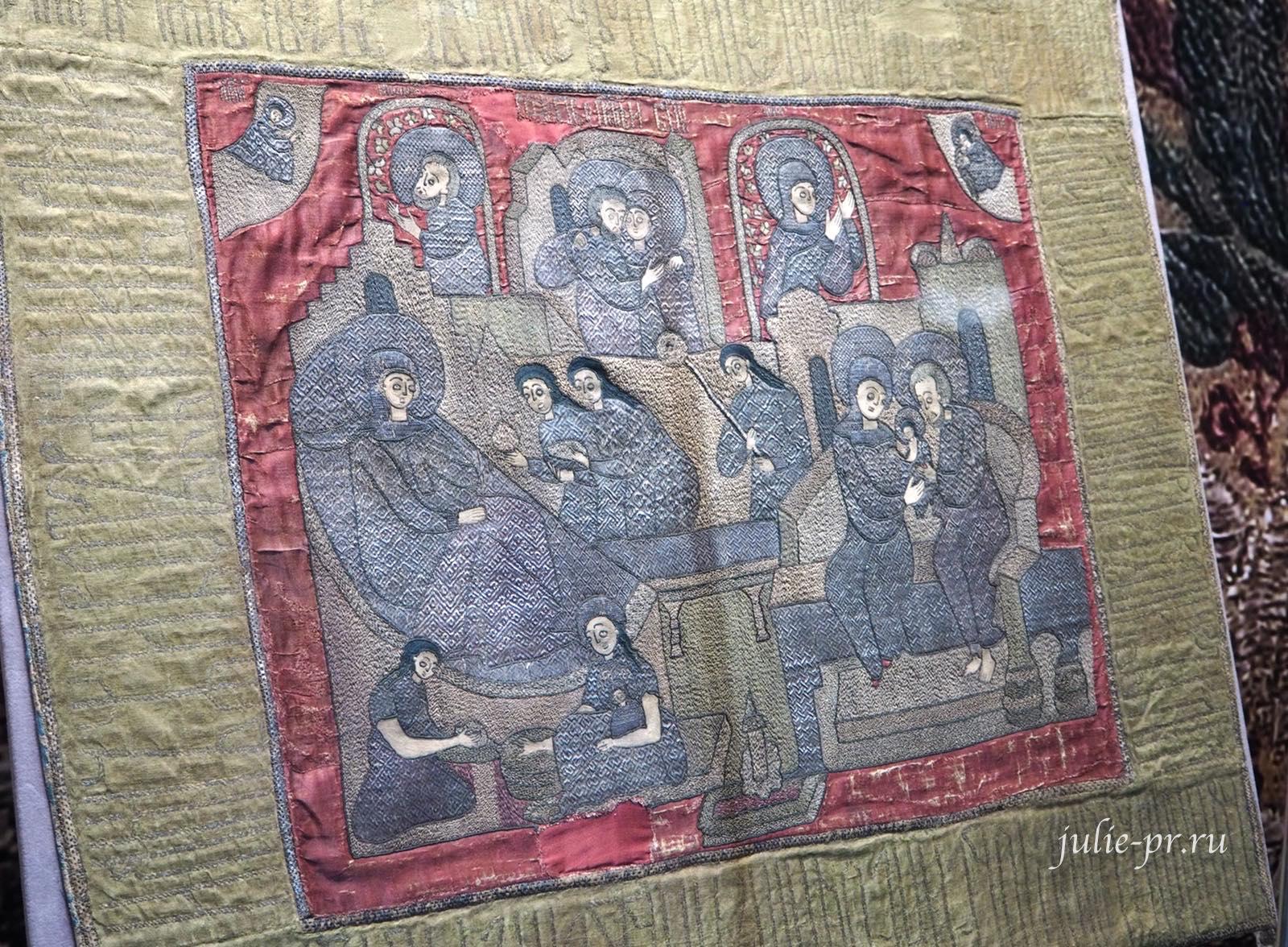 """Пелена """"Рождество Богородицы"""" (Москва, 1660-е гг): атлас, шёлковые и золотные нити; вышивка, ткачество"""