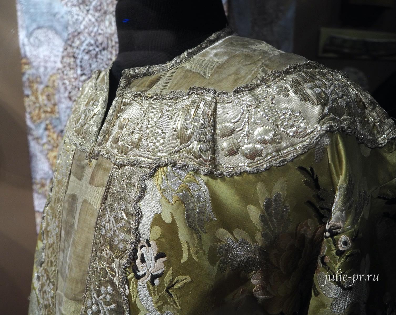 Саккос (Московская губерния, начало XIX века): галун, тесьма, ткачество