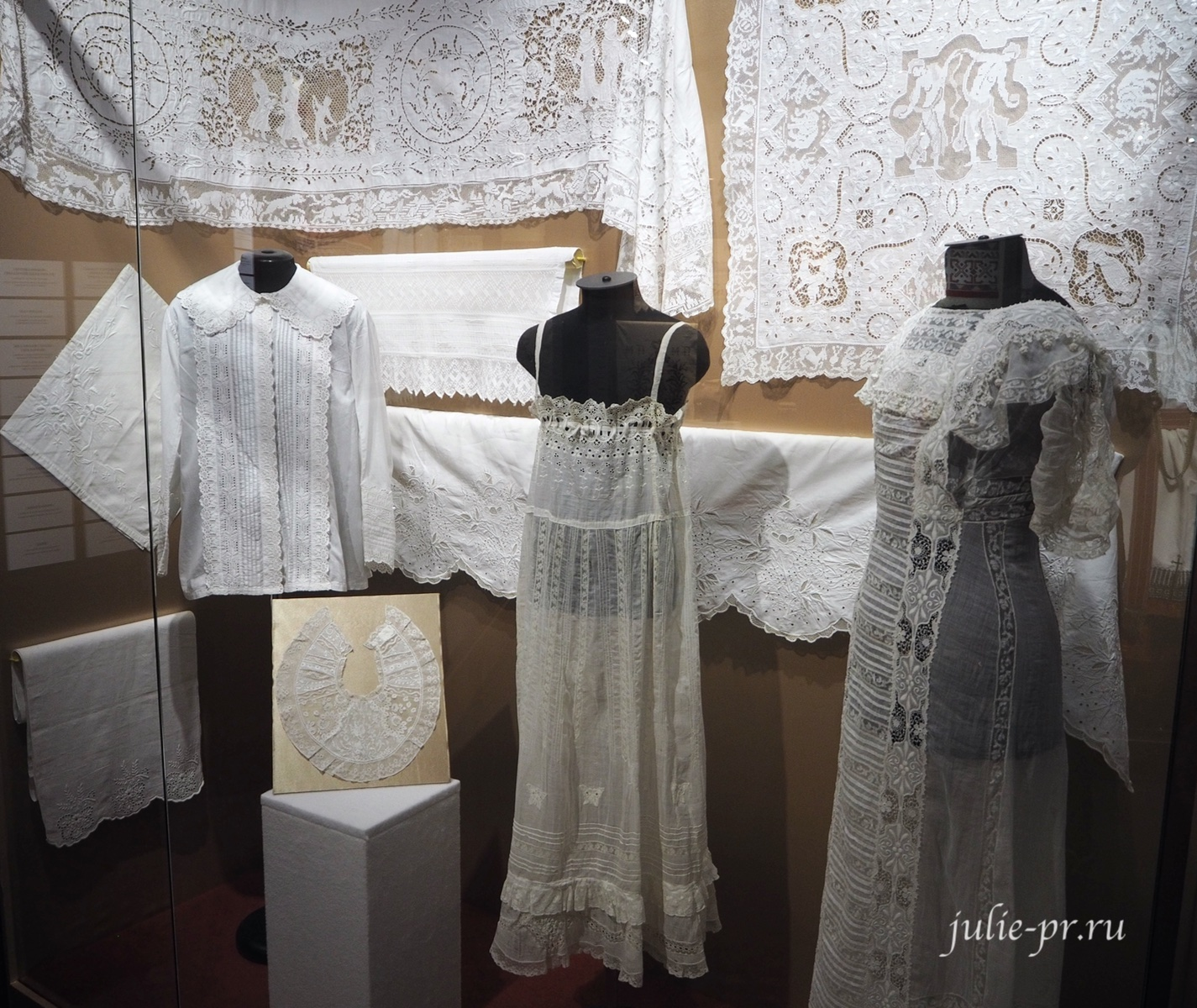 Белая вышивка