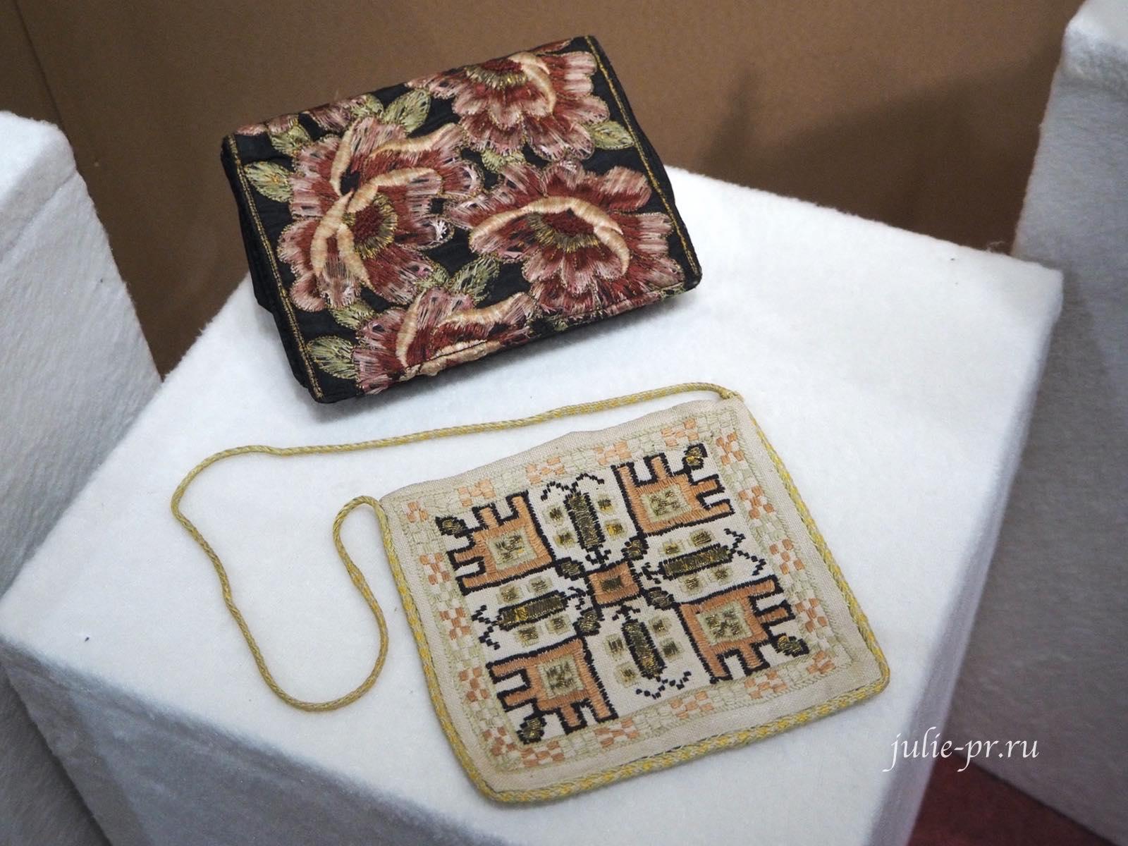 Сумочки (Россия, XX век): вышивка