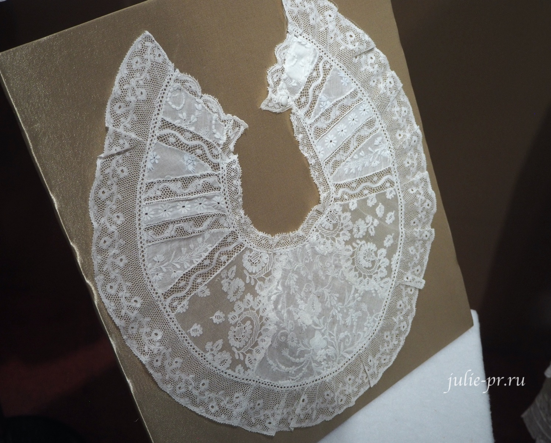 Манишка (Россия, вторая половина XIX века): батист, кружево, аппликация, вышивка гладью с сетками)