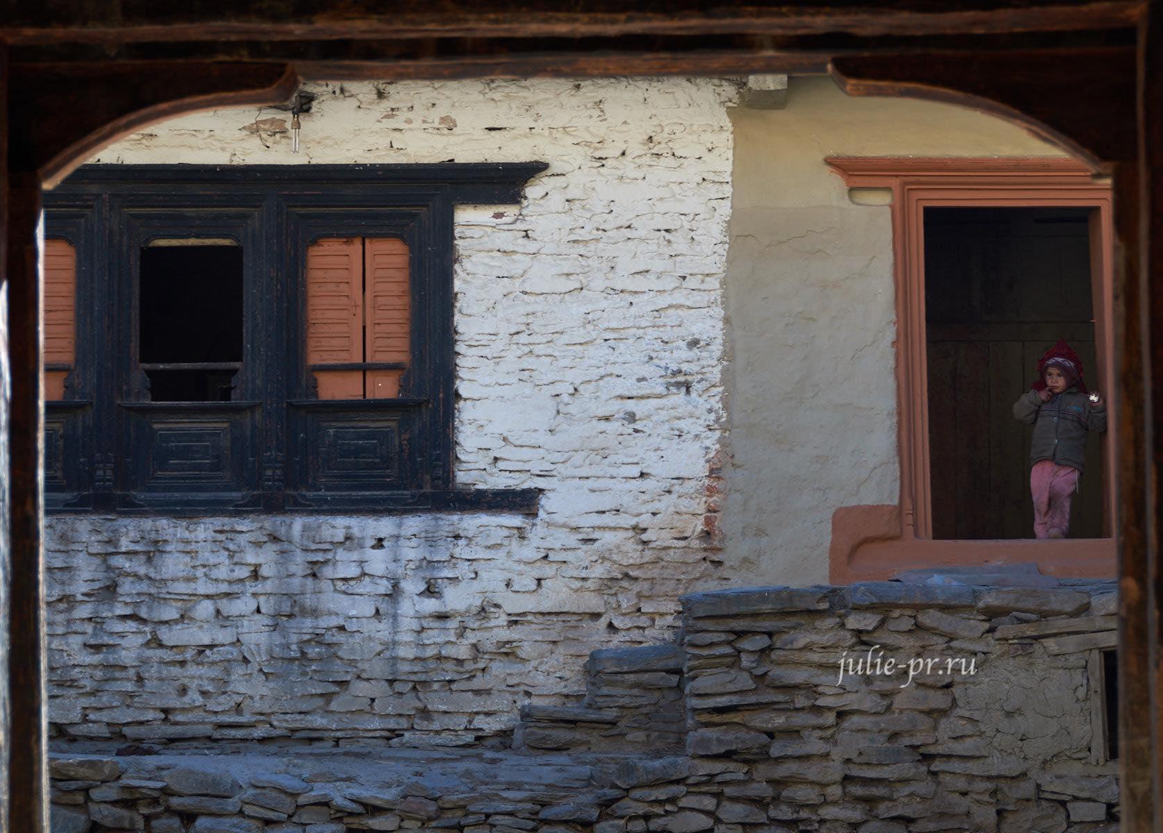 Непал, Деревня Чхаиро, Трек вокруг Аннапурны